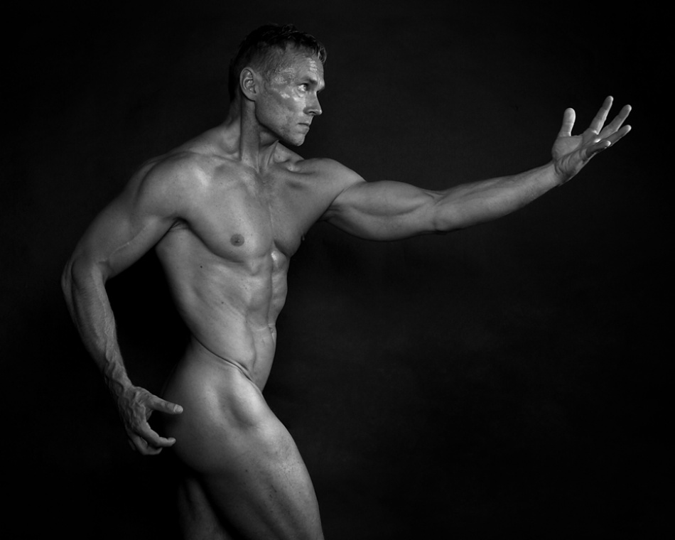 A piece of fine art art photography titled Fit Body One by Henrik Knudsen