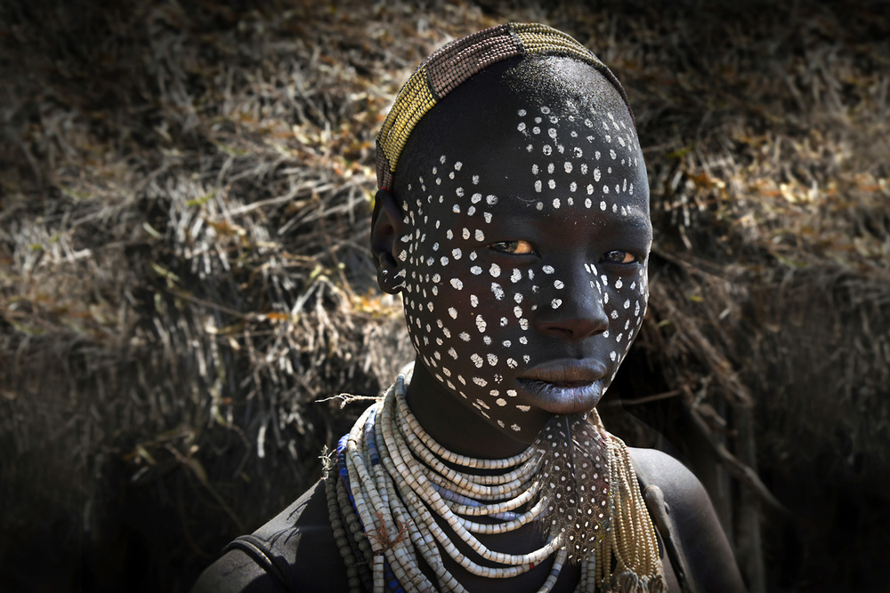 A piece of fine art art photography titled Dots and Feathers by Norbert Becke