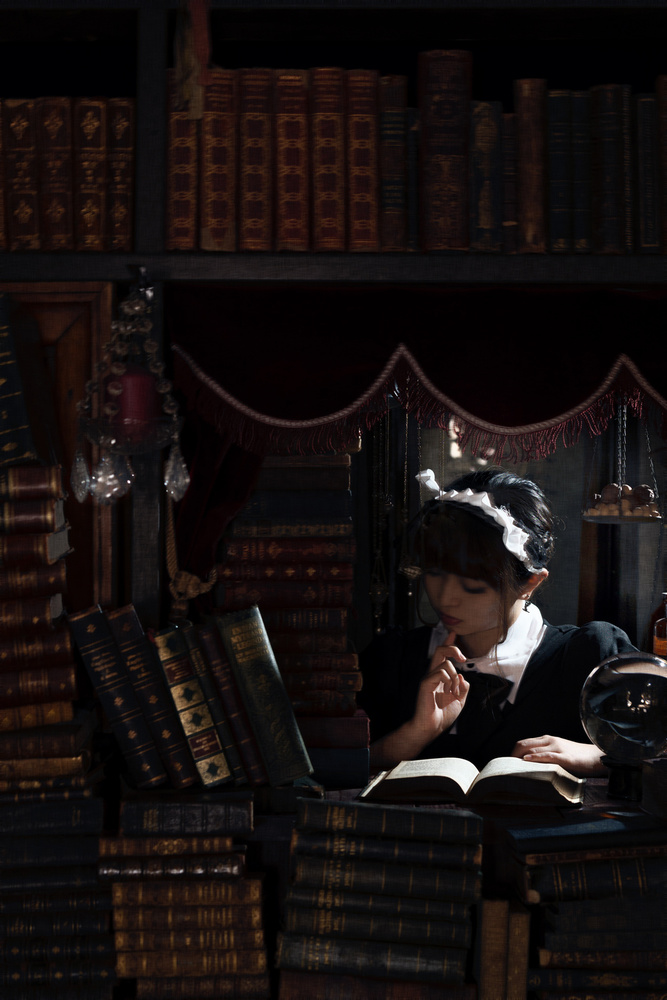 A piece of fine art art photography titled Reading Time by Yasuhiro Ujiie