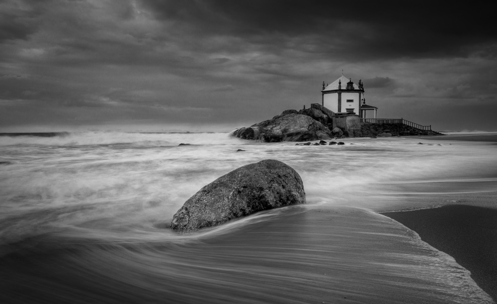 A piece of fine art art photography titled Untitled by Duarte Sol