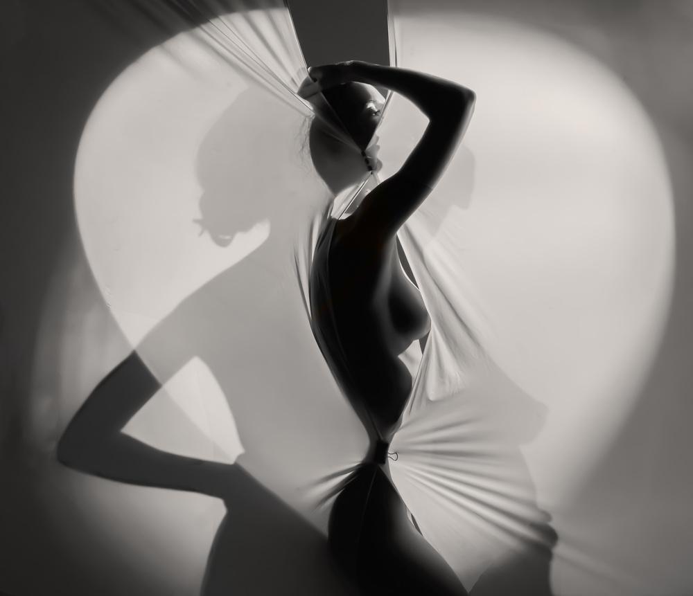 A piece of fine art art photography titled Haftoo Batu by Ari kordonsky