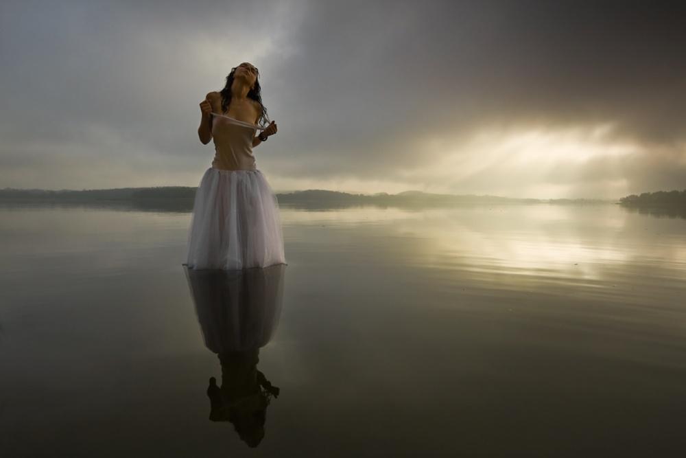 A piece of fine art art photography titled Roza by Leszek Paradowski