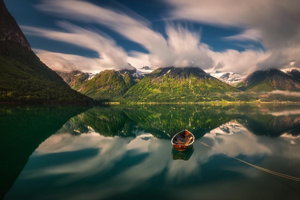 A piece of fine art art photography titled Trebåt by Pawel Kucharski
