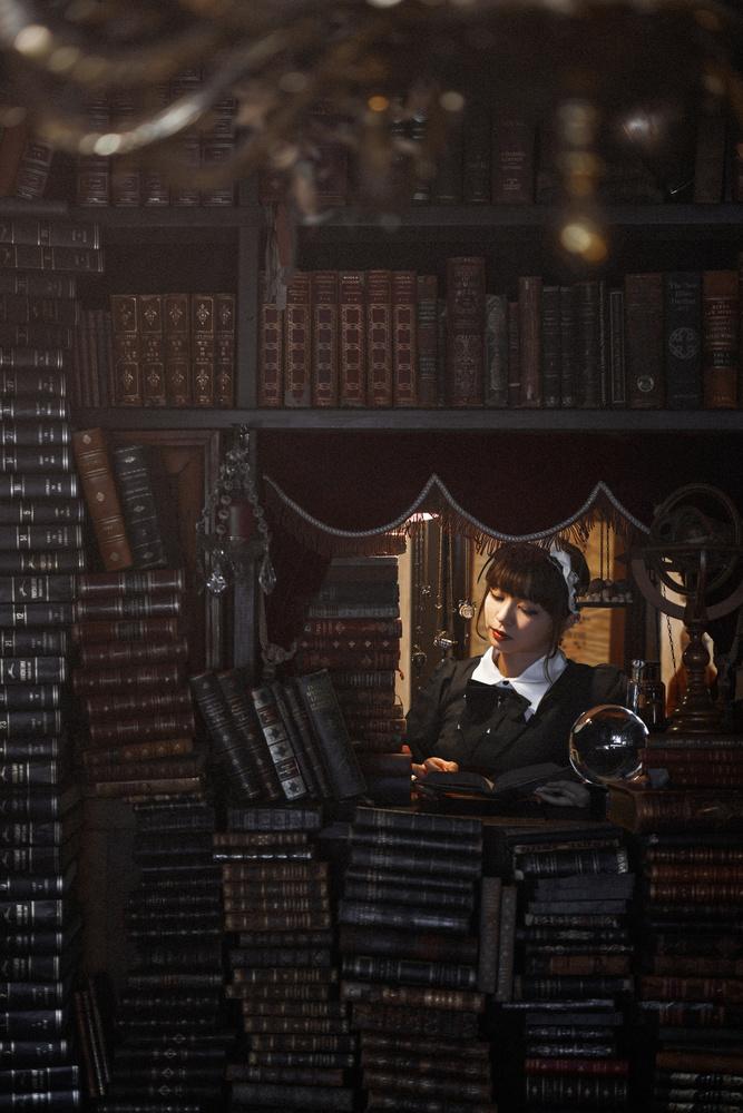 A piece of fine art art photography titled  La Biblioteca De Babel by Yasuhiro Ujiie