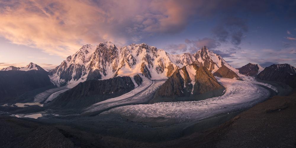 Mount Bogda 5445 《天山冰川》