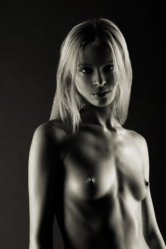 A piece of fine art art photography titled Ellen by Thomas Doering