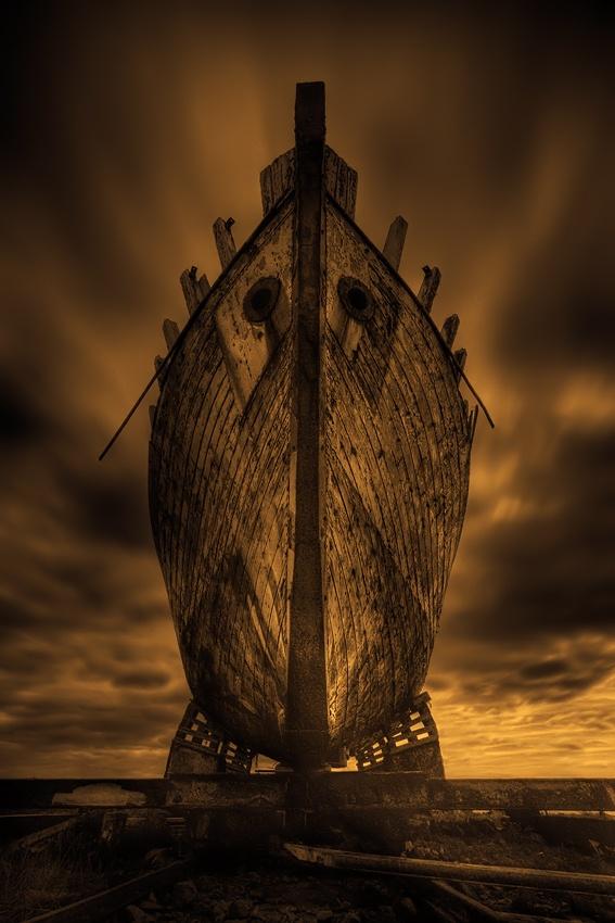 A piece of fine art art photography titled Arche Noah by Raymond Hoffmann