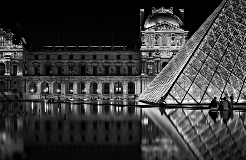 A piece of fine art art photography titled Le Musee Du Louvre by Fabio Ornago