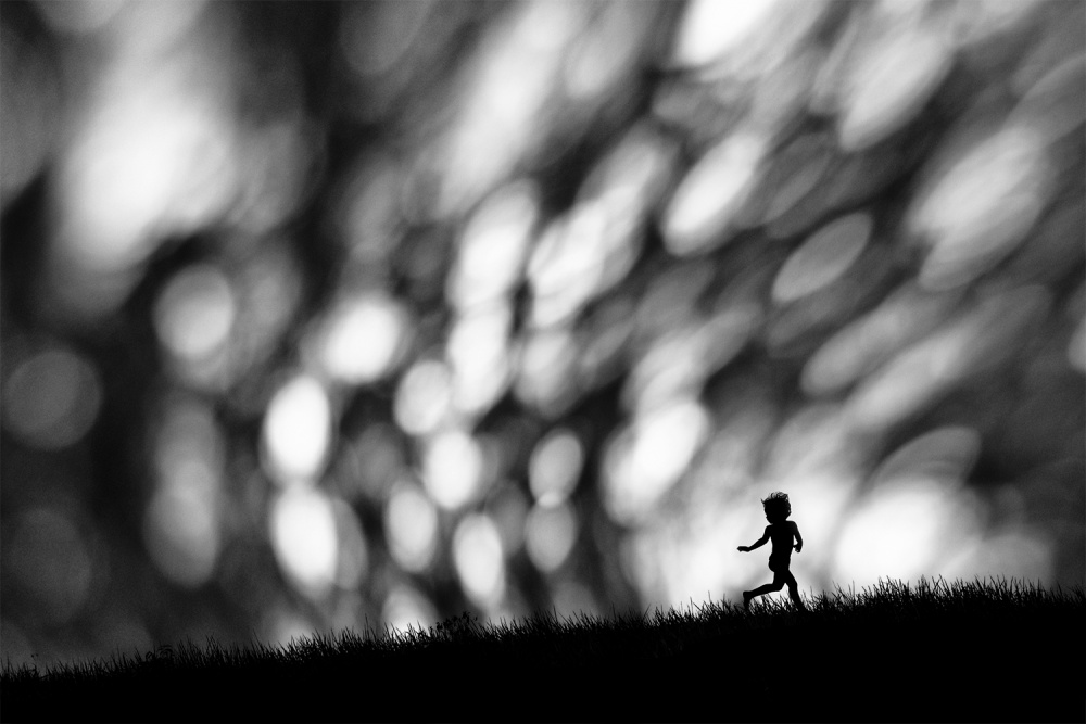 A piece of fine art art photography titled Wave by Hengki Lee