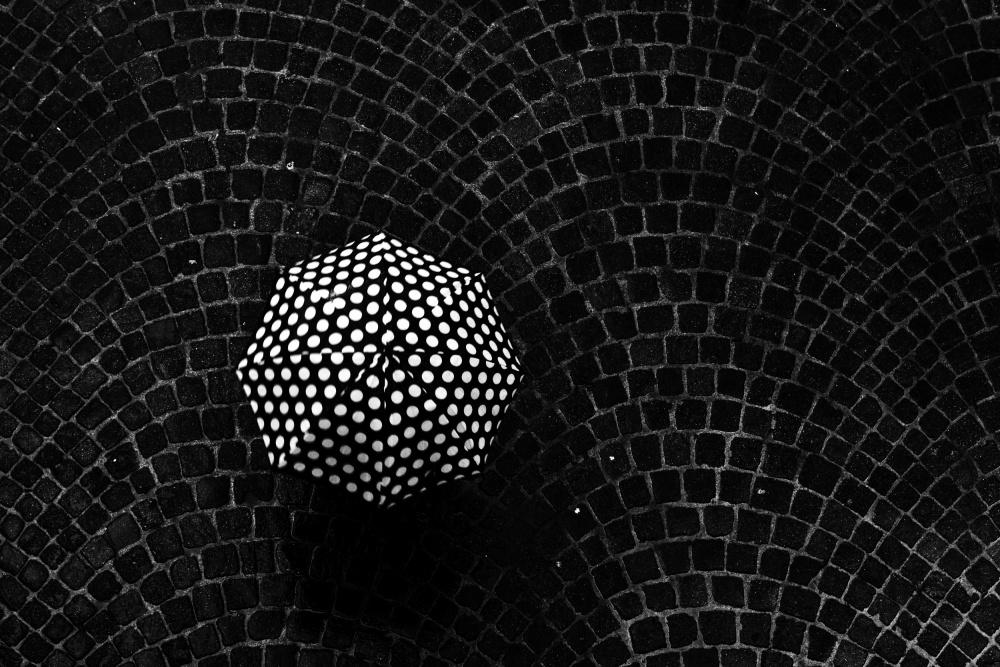 A piece of fine art art photography titled Pois by Massimo Della Latta