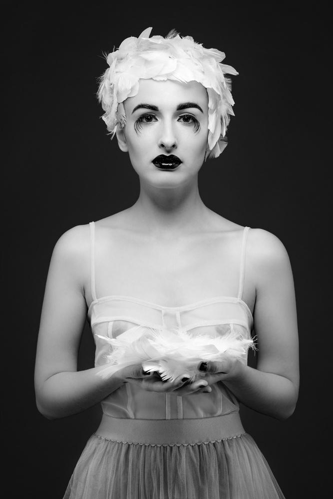 A piece of fine art art photography titled Miss Birdy by Gautier Van Lieshout