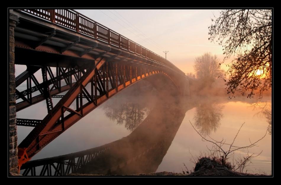 Dawn over the bridge