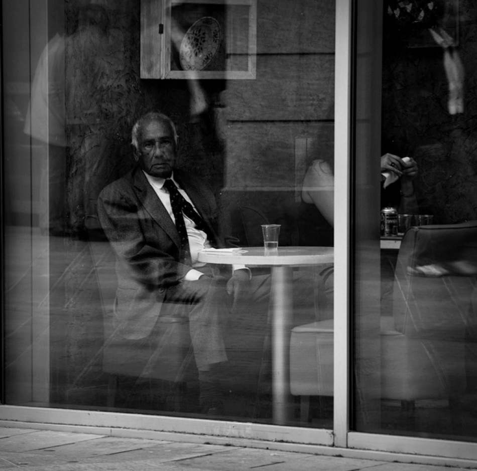 A piece of fine art art photography titled Alone In the City by Laurent Roch
