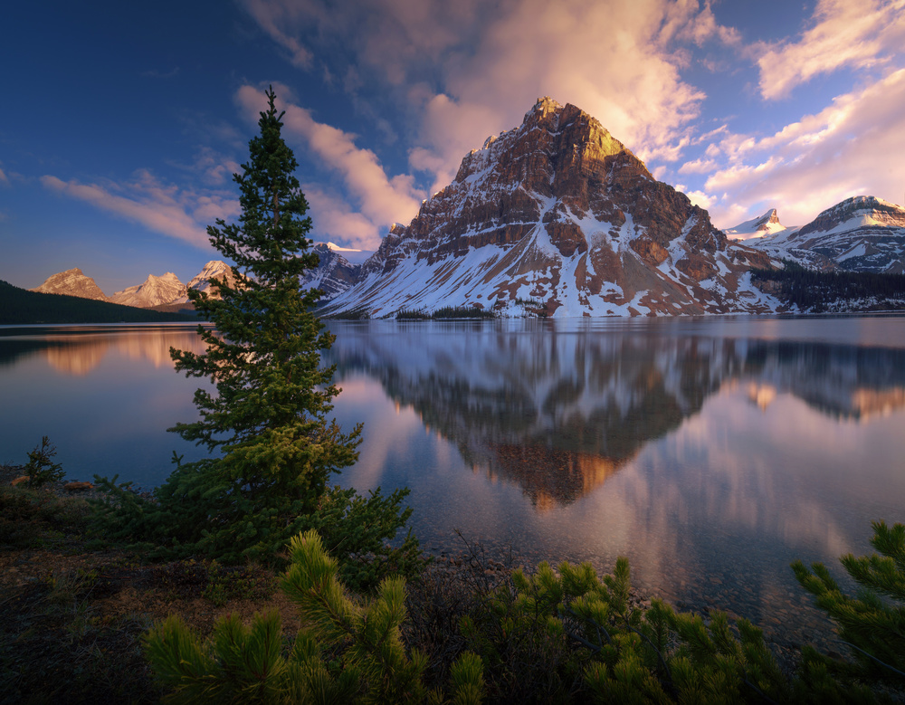 A piece of fine art art photography titled Atardecer En Bow Lake by Juan Pablo de Miguel