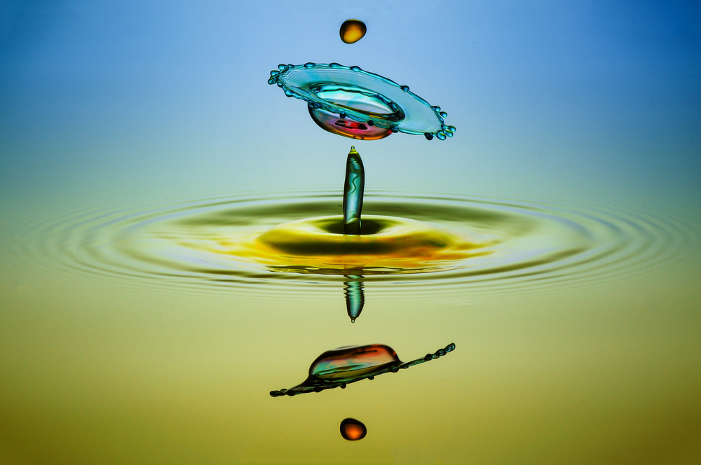 A piece of fine art art photography titled UFW (Unidentified Flying Water) by muhammad berkati