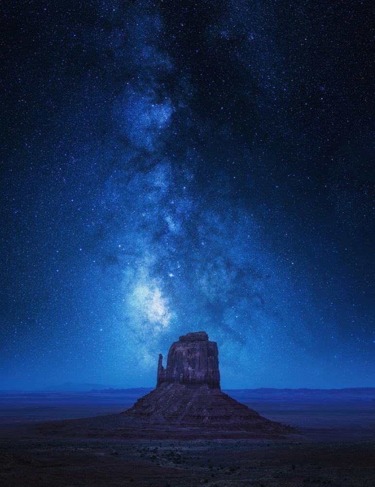 A piece of fine art art photography titled Monument Milkyway by Juan Pablo de Miguel