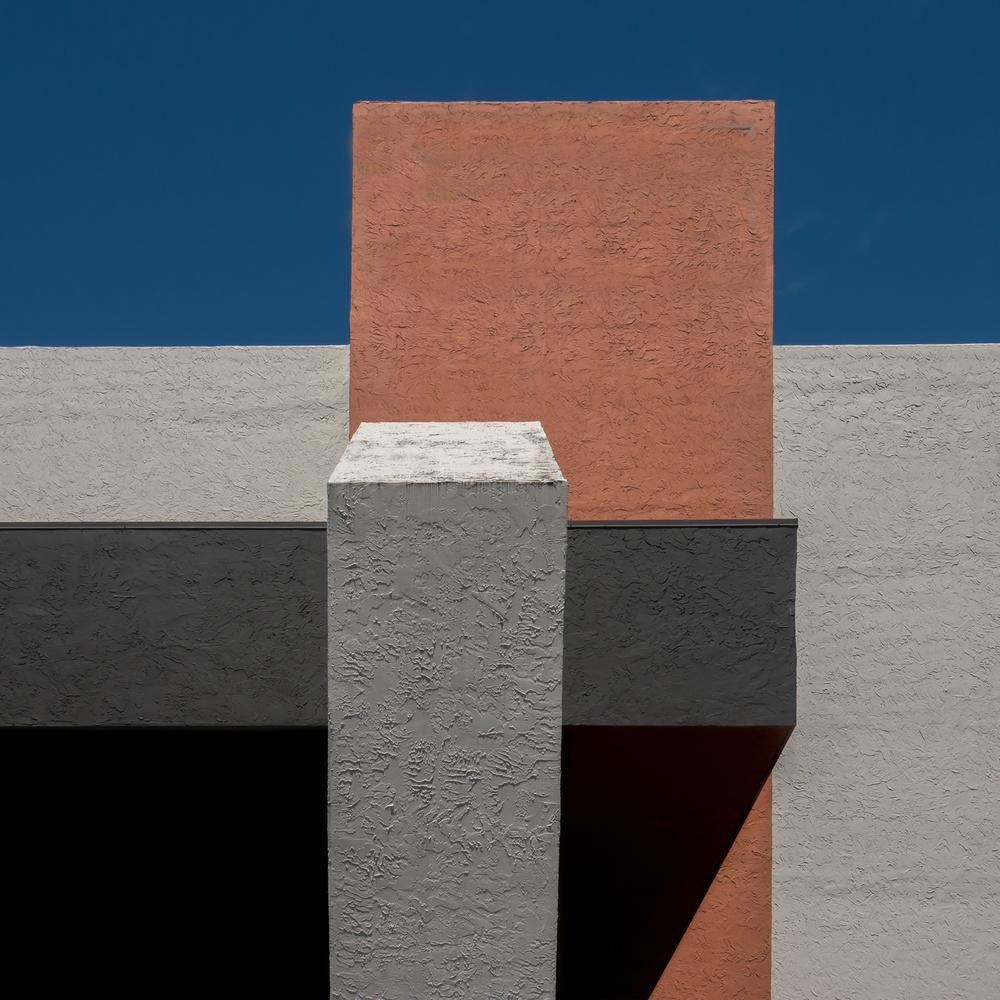 A piece of fine art art photography titled Form and Colour by Klaus Lenzen