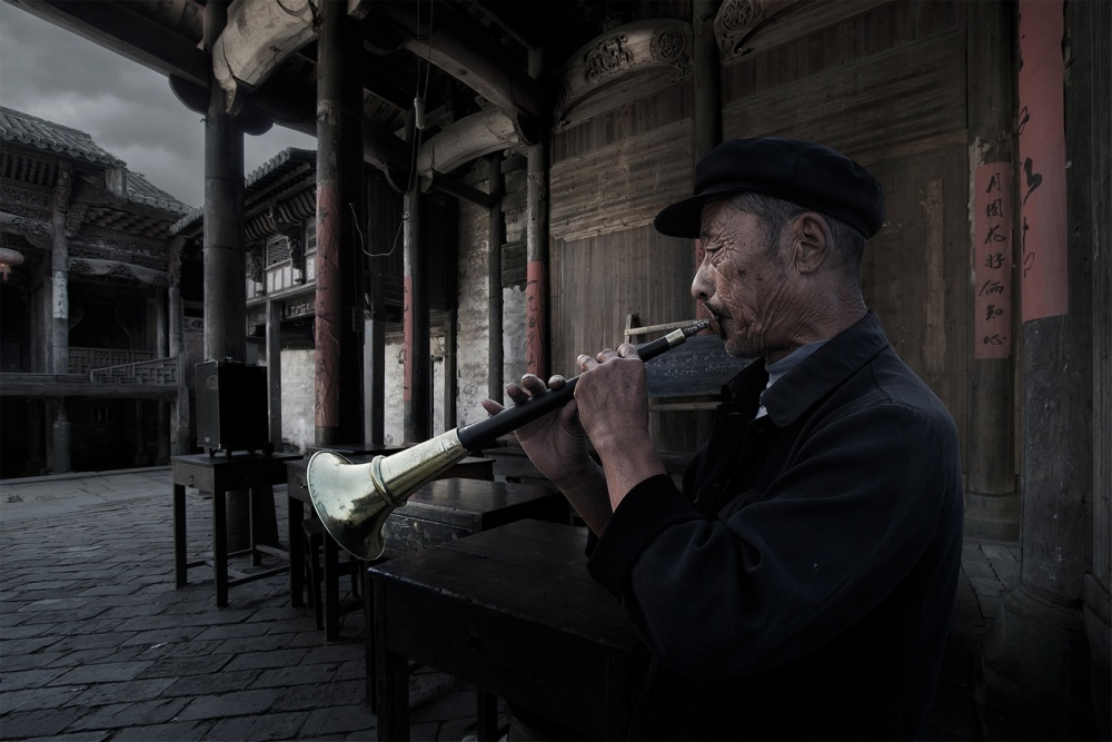 Old Performer