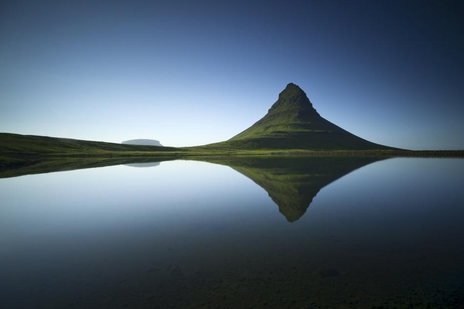 A piece of fine art art photography titled  Kirkjufell by Raymond Hoffmann