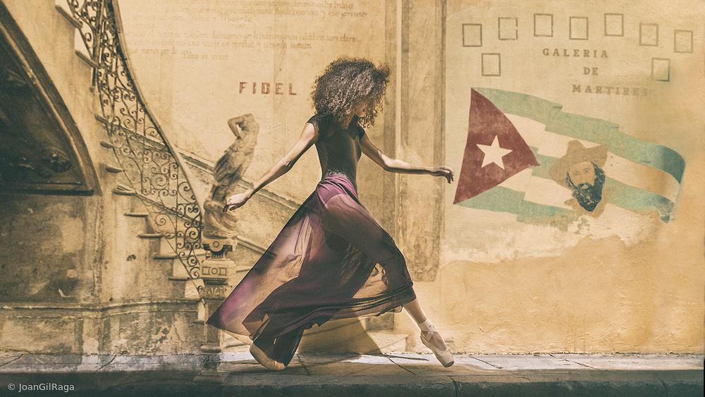 Walking in Havana