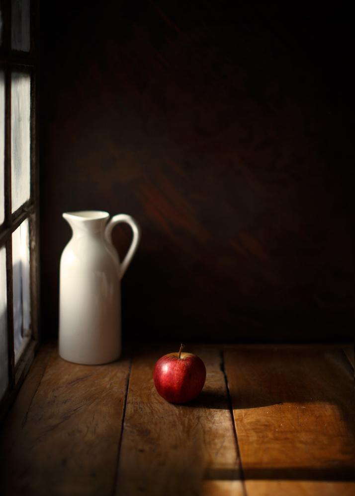 A piece of fine art art photography titled An Apple by Luiz Laercio