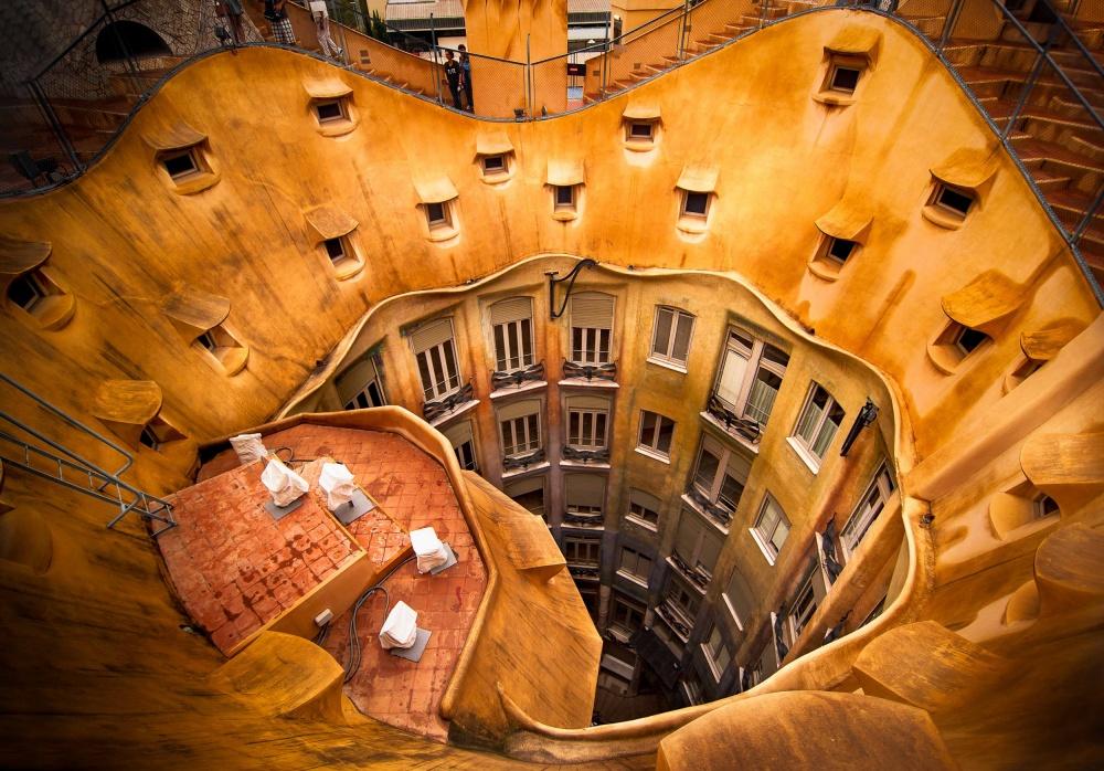 Antoni Gaudí's La Pedrera  © Nora De Angelli