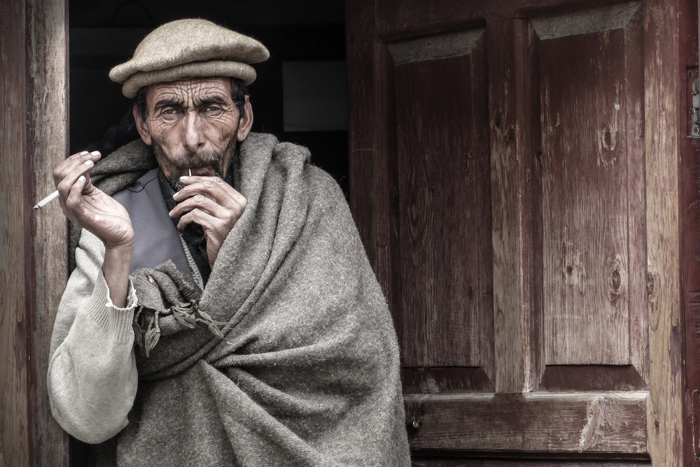A piece of fine art art photography titled Man Portrait (Pakistan) by Óscar López