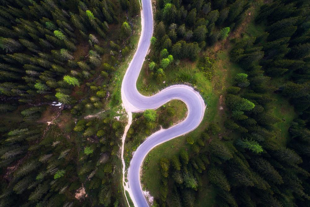 A piece of fine art art photography titled Zigzag by Daniel Fleischhacker