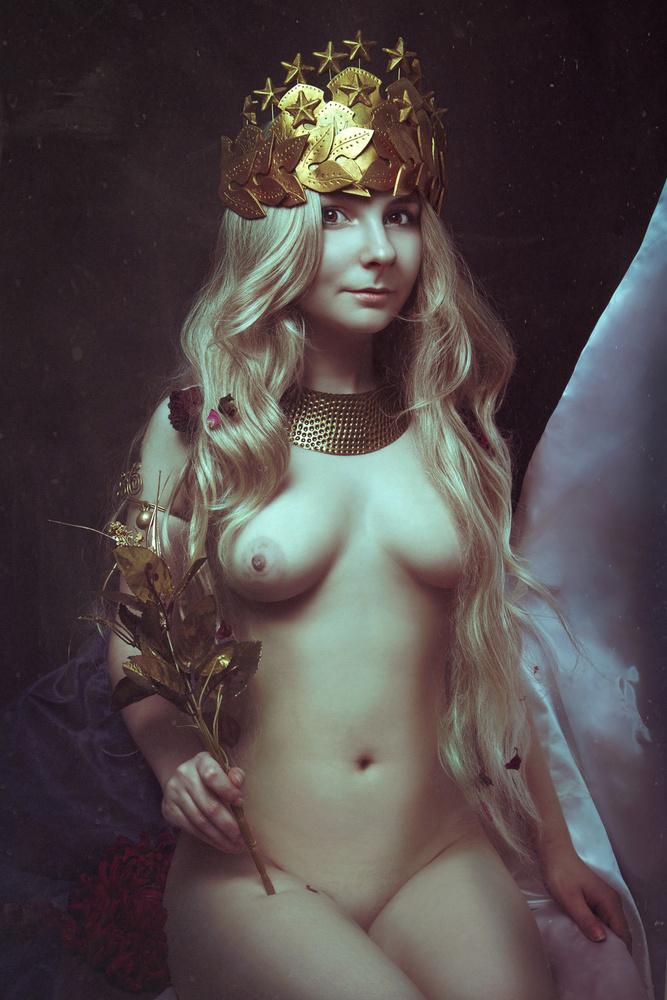 A piece of fine art art photography titled La Decadència - La Emperatriz by Angelina Goncharova