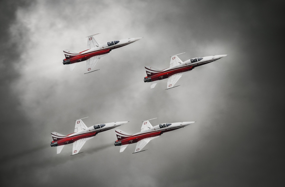 A piece of fine art art photography titled Patrouille Suisse by Leon