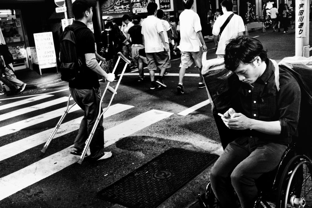 A piece of fine art art photography titled Untitled by Tatsuo Suzuki