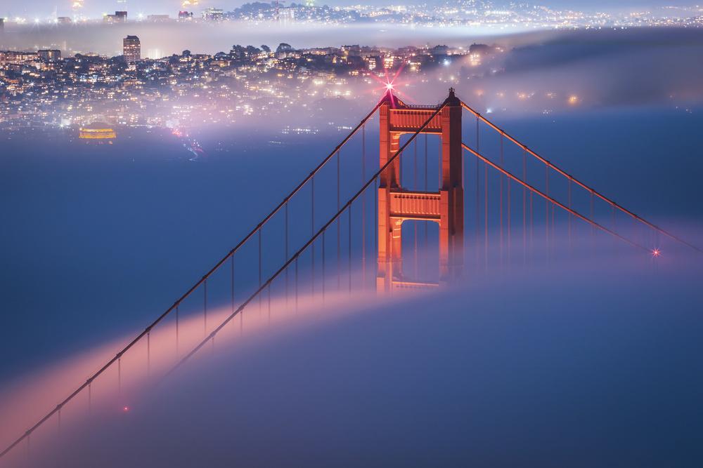 misty golden gate bridge