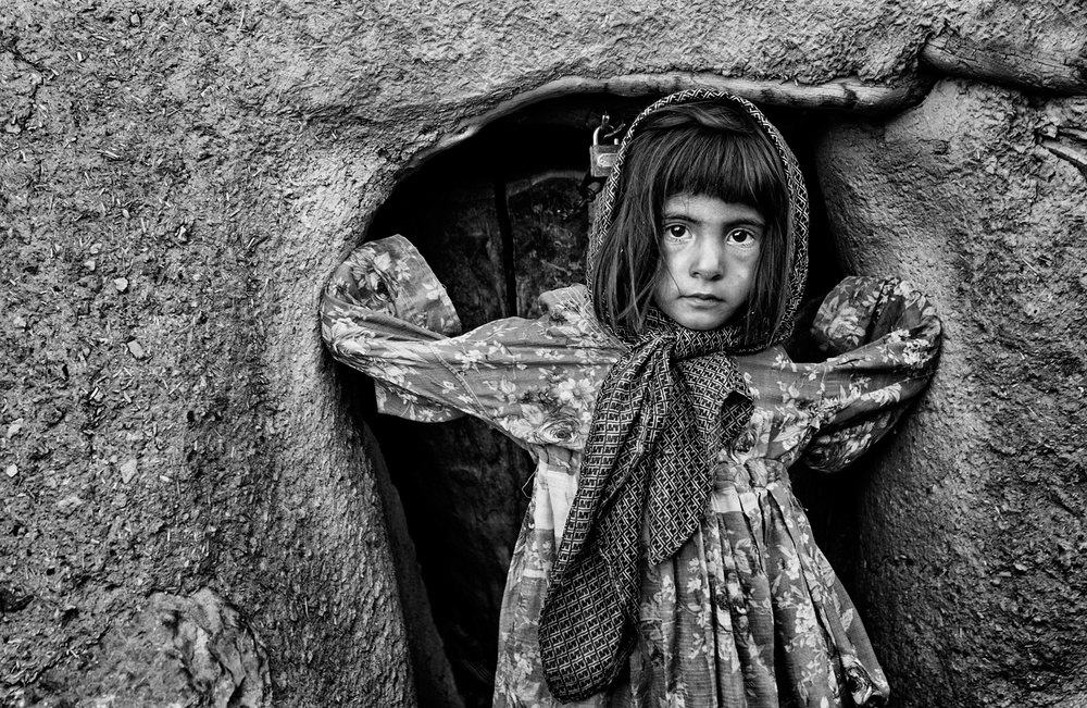 A piece of fine art art photography titled Untitled by Daryoush Danesh