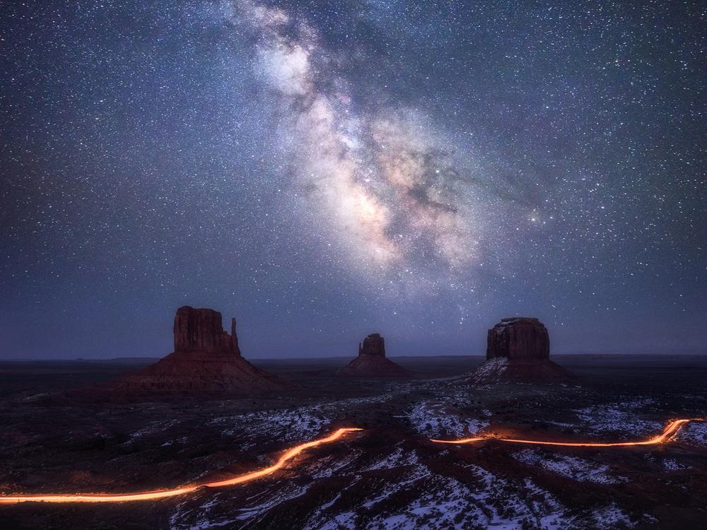 A piece of fine art art photography titled Galaxy Valley by Daniel Fleischhacker