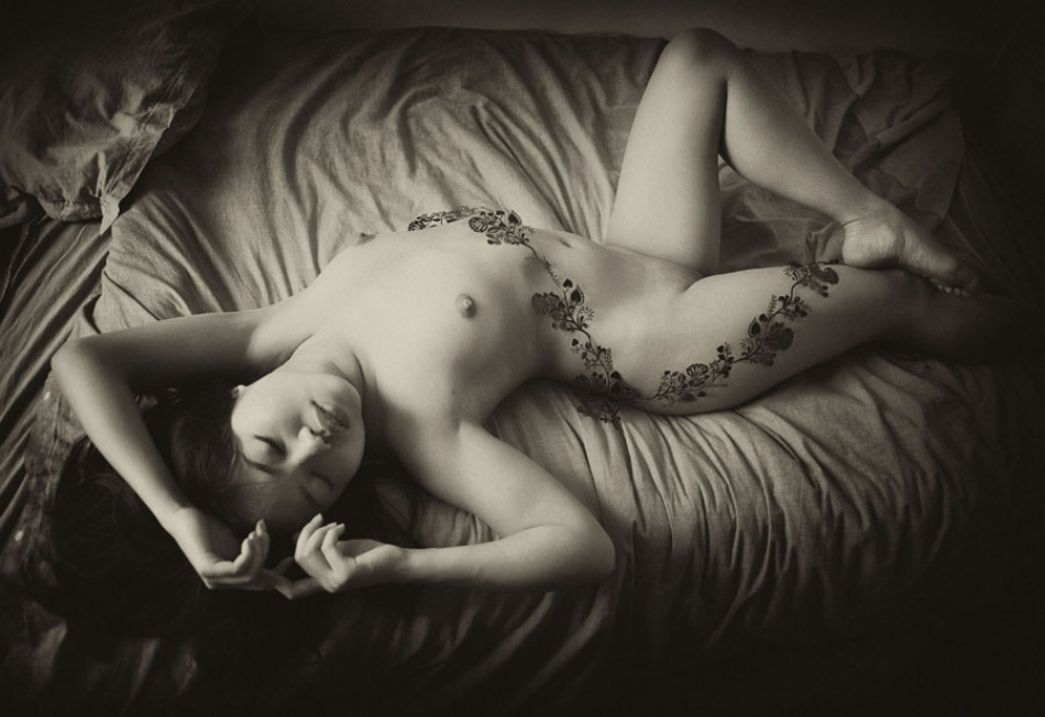 A piece of fine art art photography titled Nude from the Past ! by Corps & Graphe