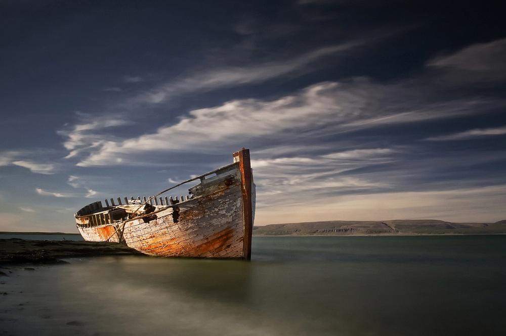 A piece of fine art art photography titled Shipwreck by Þorsteinn H. Ingibergsson