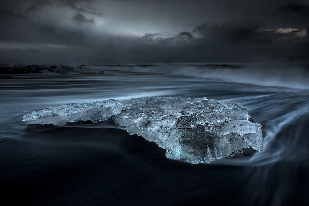A piece of fine art art photography titled Untitled by samuel FERON