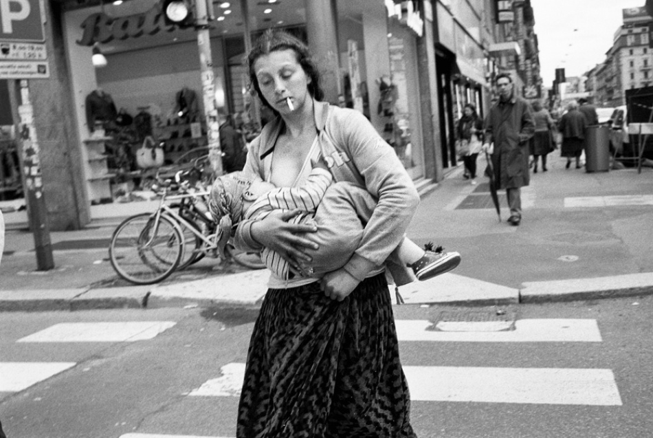 gypsy mother with child