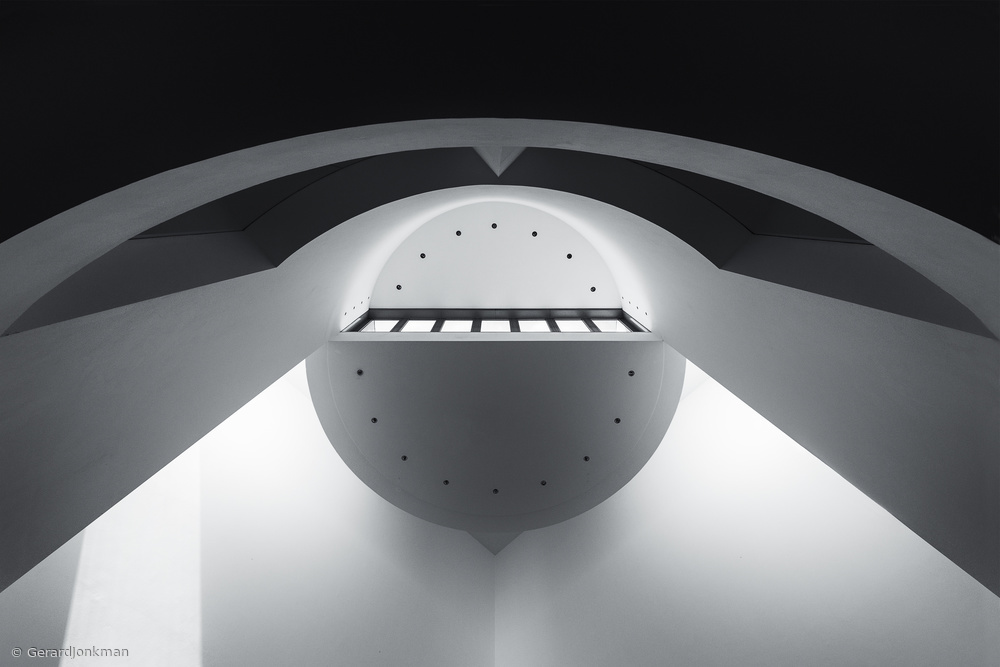 Asymmetrical Light