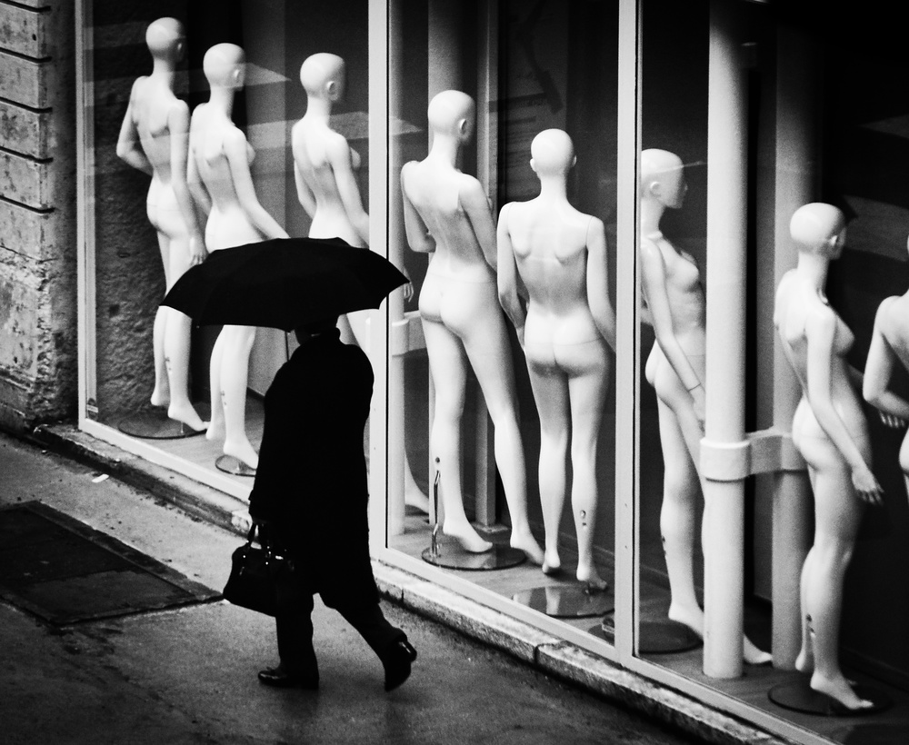 A piece of fine art art photography titled Undifférent by Paco Palazon