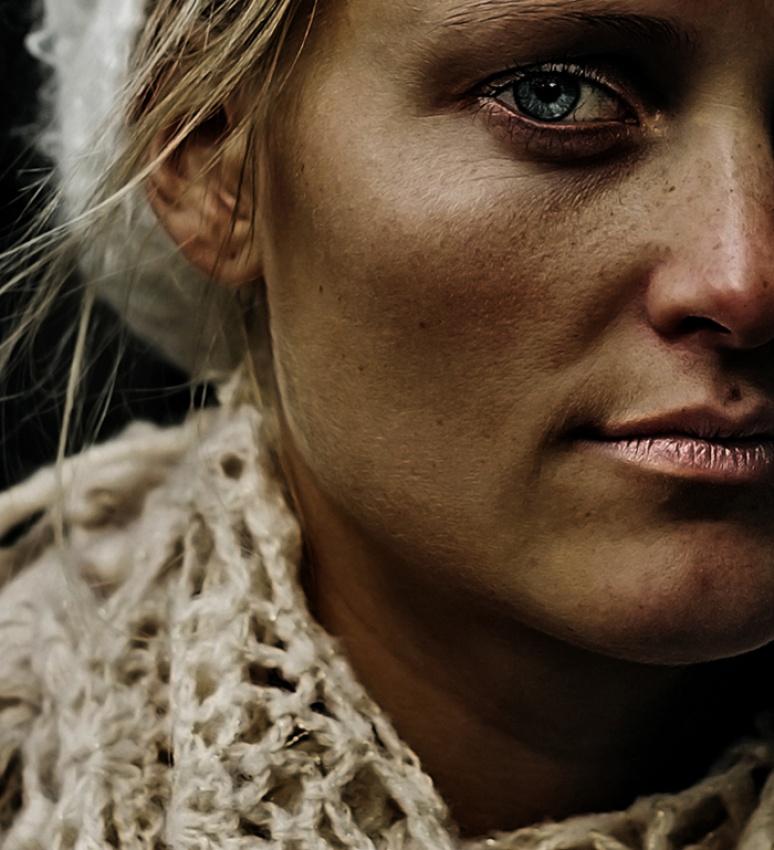 A piece of fine art art photography titled Cutting Lips by Fredrik Ekren