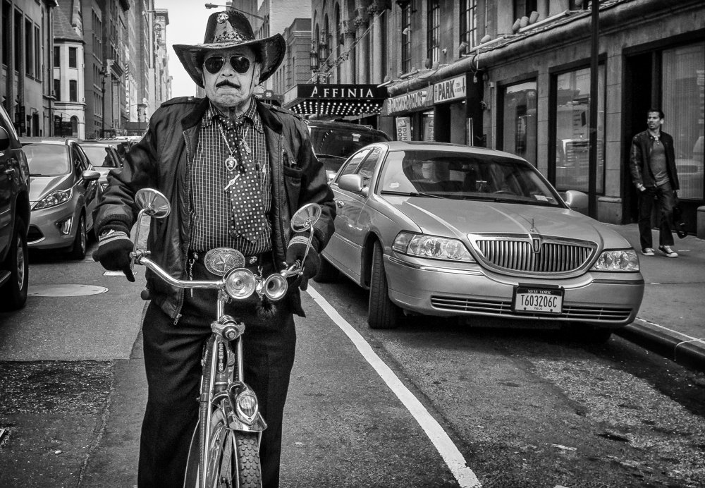 A piece of fine art art photography titled NYC Sheriff by Anders Ångström