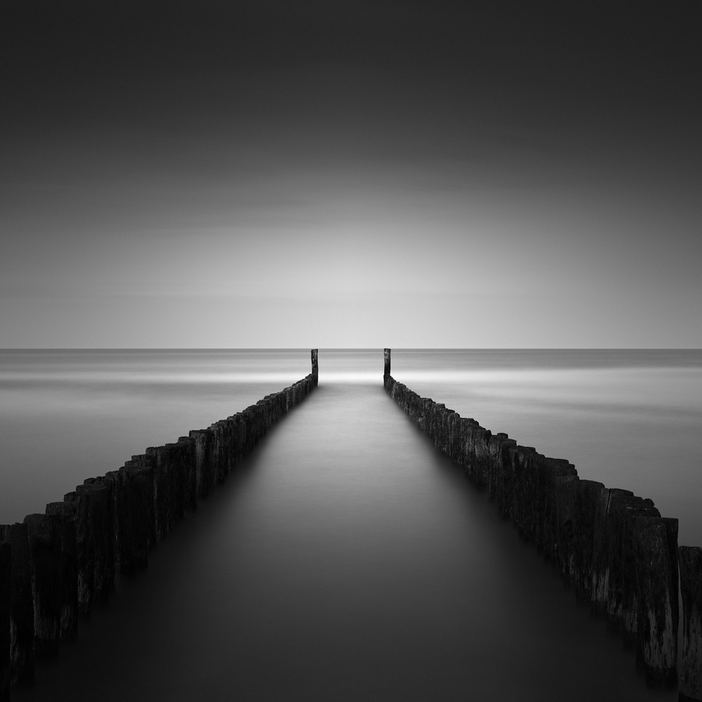 A piece of fine art art photography titled Groynes by Andre Struik