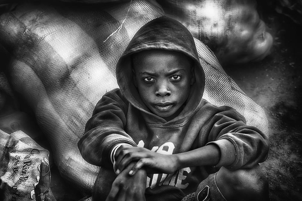 Young coal seller - Cote d'Ivoire