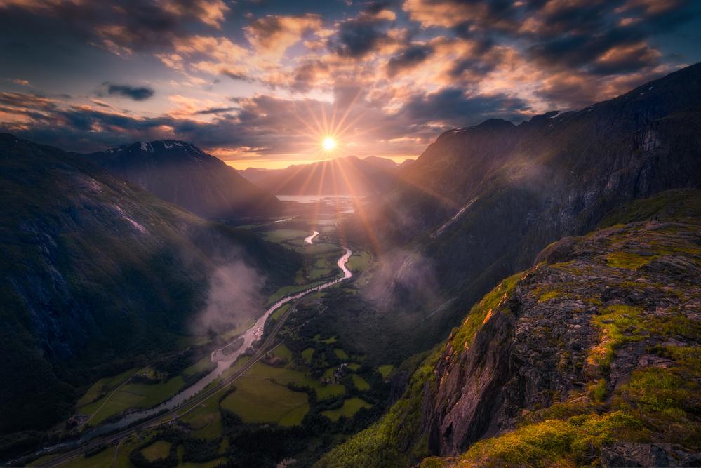 A piece of fine art art photography titled Vista by Ole Henrik Skjelstad