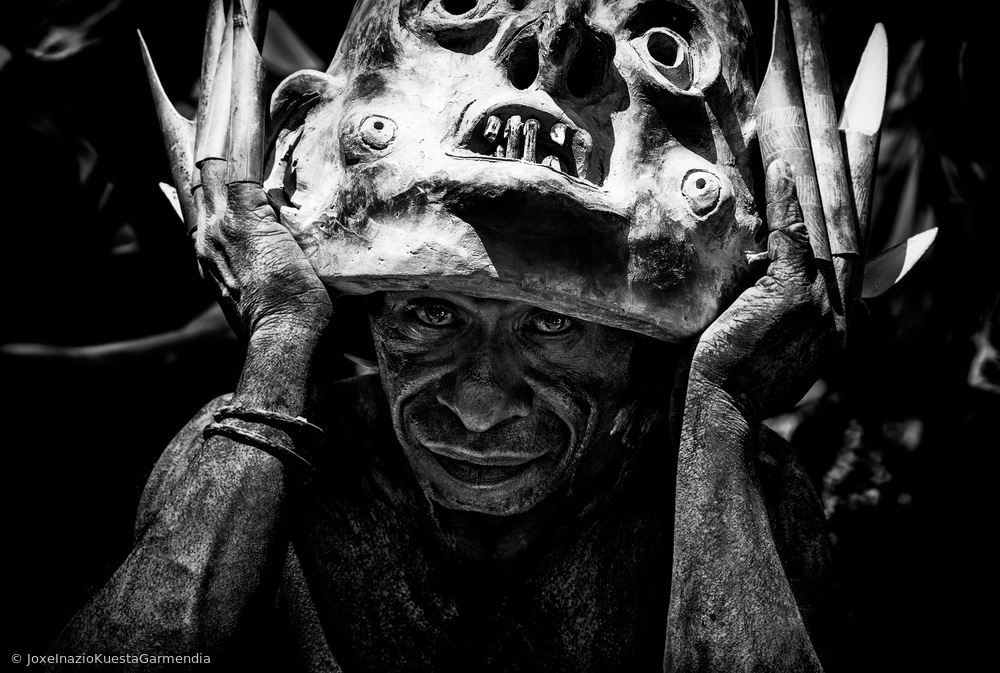 Mud man. Mt Hagen sing-sing festival - Papua New Guinea