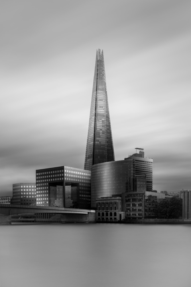 A piece of fine art art photography titled London Bridge, Study 1 by Roberto Pagliari