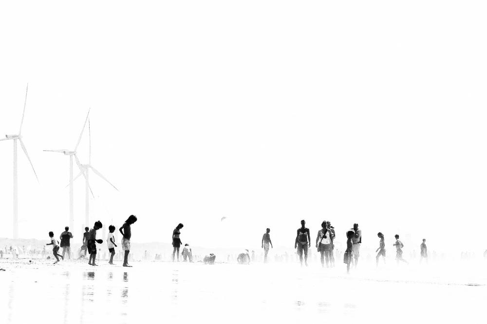 A piece of fine art art photography titled Beach Silhouettes III by joke scheerman