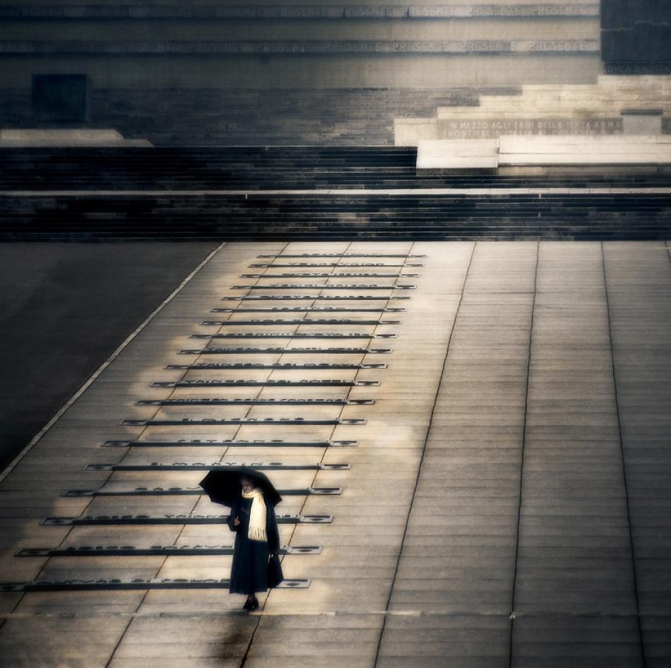 A piece of fine art art photography titled Presente II by Sandi Gorkic