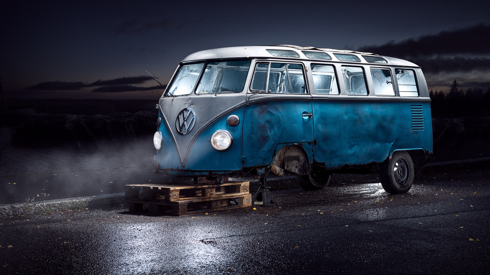 A piece of fine art art photography titled VW Kleinbus by Petri Damstén
